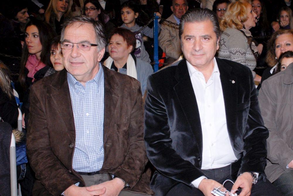 Ο Δήμαρχος Αμαρουσίου Γ. Πατούλης, με τον Πρόεδροτου Ο.ΚΟΙ.Π.Α.Δ.Α Νίκο Κάββαλο, στη Χριστουγεννιάτικη Γιορτή των παιδικών σταθμών.